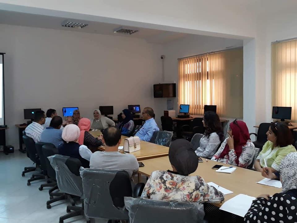 استمرارتنظيم ورش عمل التصحيح الالكتروني لقطاع الدراسات العليا والبحوث بجامعة قناة السويس