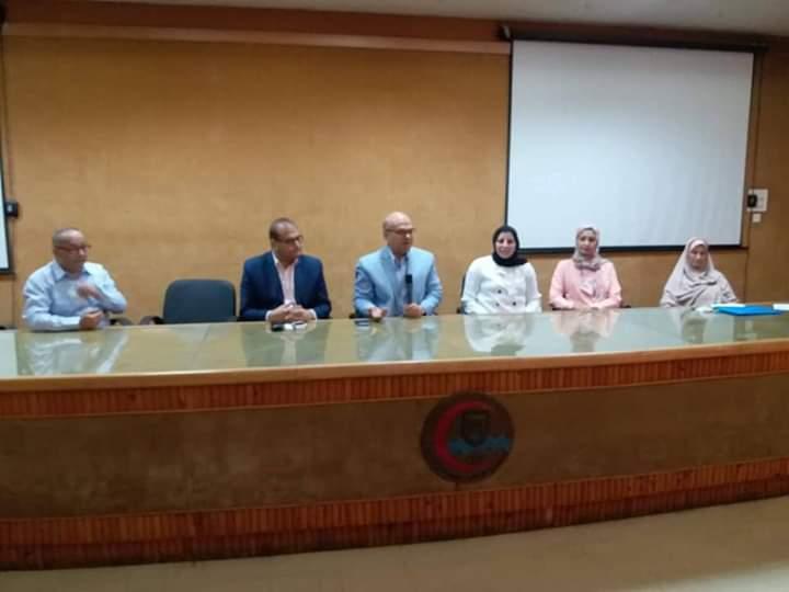 بجامعة قناة السويس : اليوم العلمي الأول لتدريب أطباء الامتياز