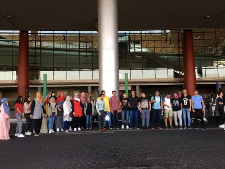 21 طالب من الكليه المصريه الصينيه بجامعة القناة فى بكين للتدريب