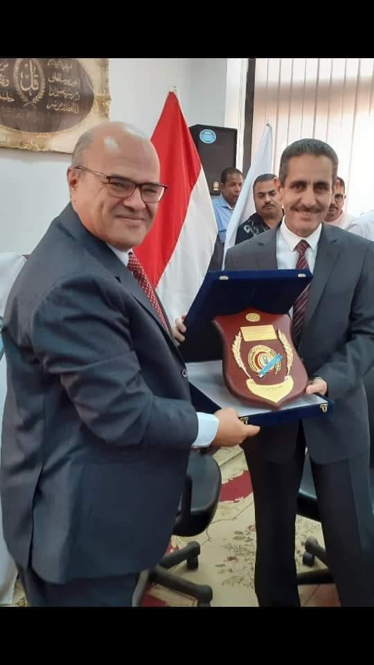 مجلس كلية الطب يكرم رئيس جامعة القناة