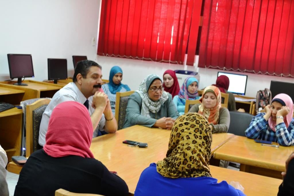 Prof. Dr. Salah Mekawy meets with staff of Education Development Center