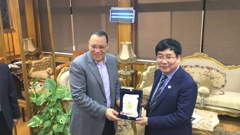 Suez Canal University President welcomes the President of the University of Hebei, China