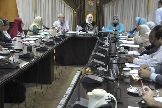 A protocol of cooperation between the Graduate Studies Sector at Suez Canal University and Ismailia Financial Directorate in the field of scientific and training